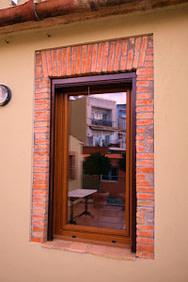 ventana pvc nogal